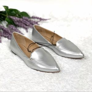 New GAP | Metallic Silver Pointed Toe Loafers